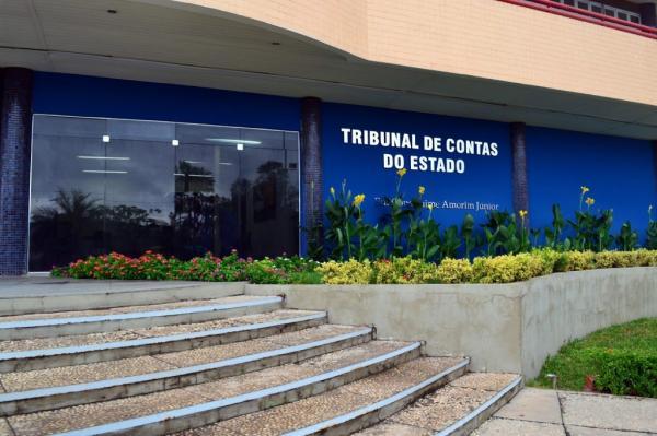 Prefeito de Cristino Castro aumenta gastos com pessoal em quase 10% e ultrapassa limite de alerta, diz TCE.