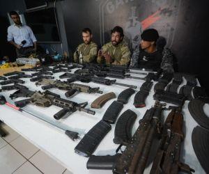 Guarda foi preso com armas avaliada em 1 milhão de reais e Exército vai investigar origem de arsenal