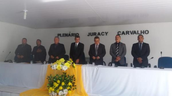 Gilbués tem novo prefeito empossado pela Câmara de Vereadores