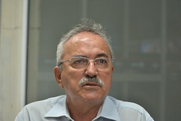 Átila Lira admite possibilidade de trocar PSB pelo Democratas