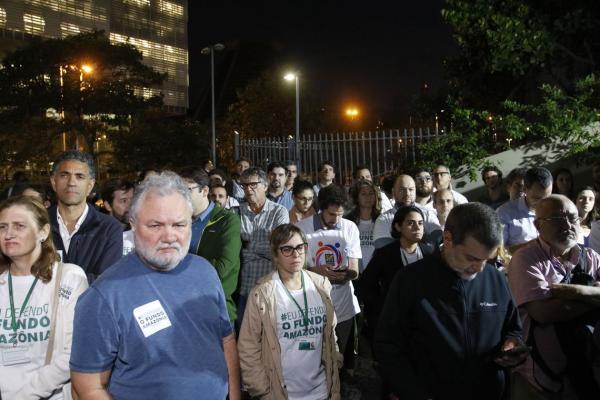 Rio: ambientalistas fazem ato em defesa do Fundo Amazônia