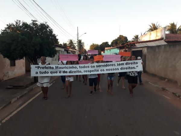 Prefeito Mauricinho desrespeita os Funcionários e população se revolta com o descaso no Município