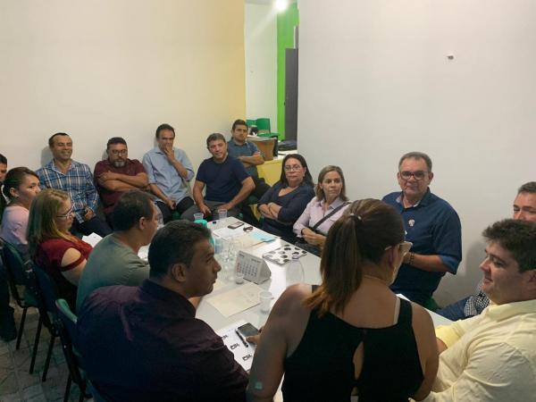 Confusão no PSL: Elizeu Aguiar sai no meio de posse do Diretório