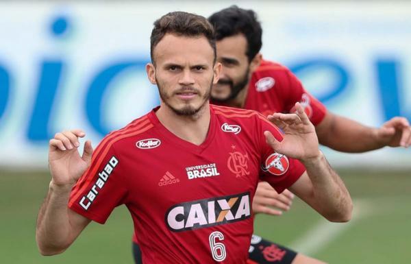 Jogador piauiense do Flamengo é chamado de 'paraíba' nas redes sociais