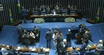 Comissão no Senado analisa corte de benefícios para ex-presidentes e ex-governadores