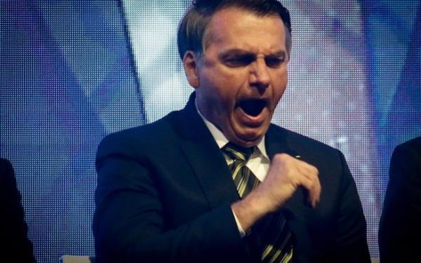Bolsonaro repete monarcas autoritários e quebra juramento de governar para todos