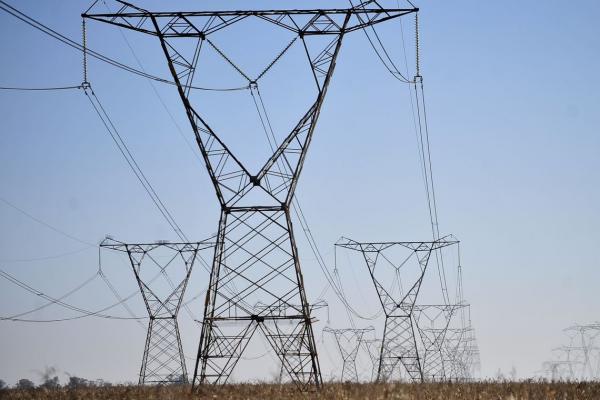 Eletrobrás tem lucro de R$ 5,5 bilhões no segundo trimestre