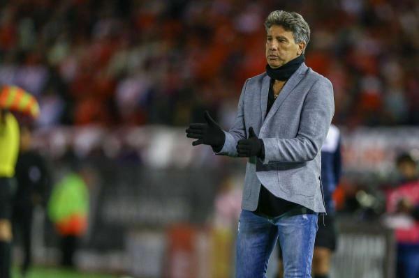 Renato exalta atuação do Grêmio e pede bom senso à CBF por Everton